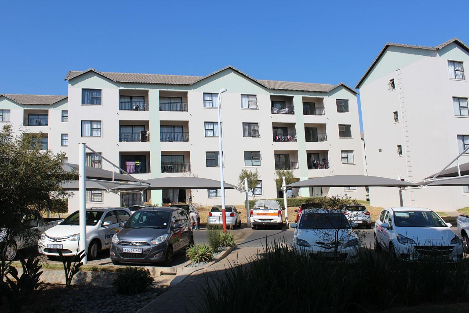 2 Bedroom Apartment for Sale in Erand Gardens, Midrand - Gauteng