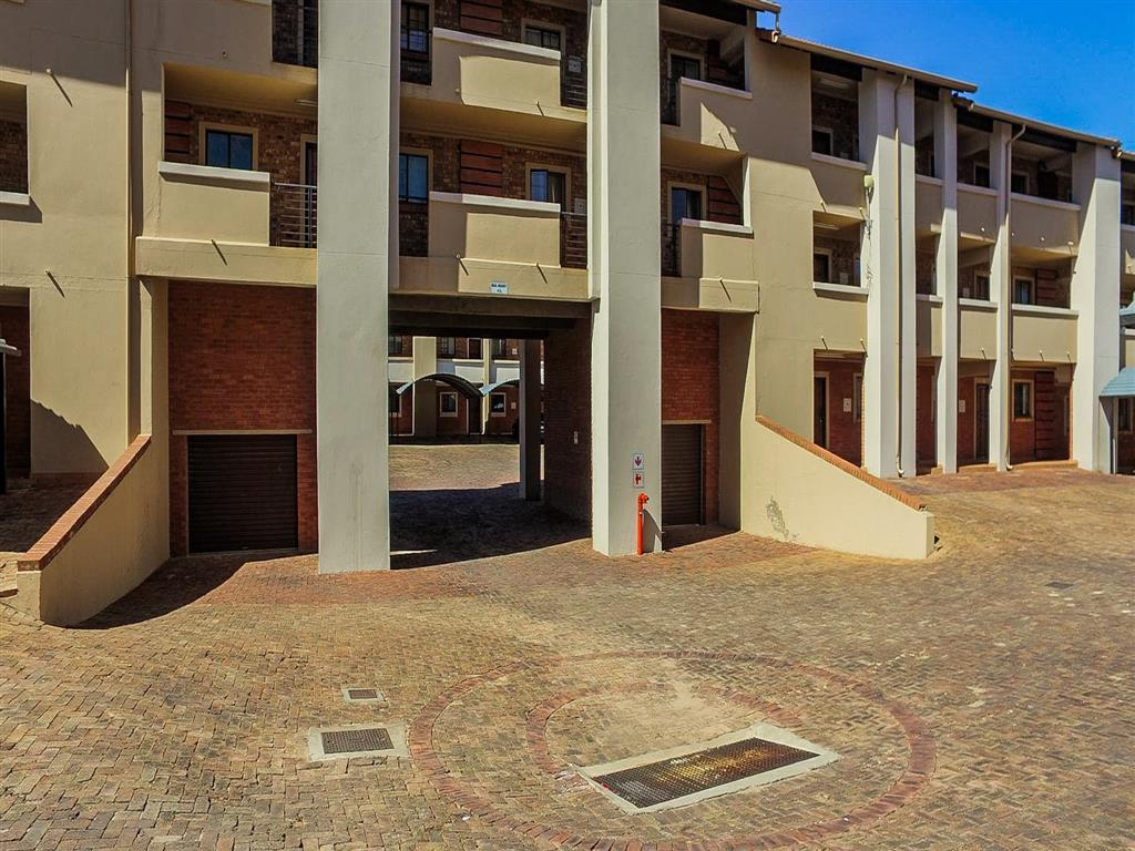 2 Bedroom  Townhouse for Sale in Midrand - Gauteng