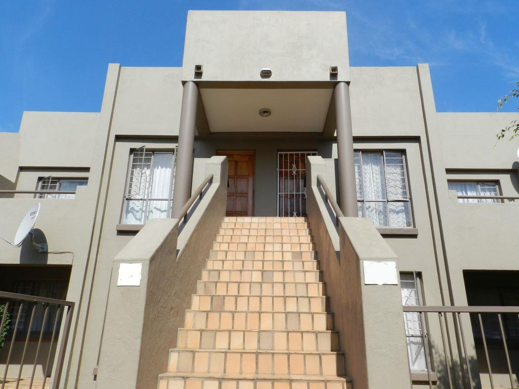 1 Bedroom  Townhouse for Sale in Midrand - Gauteng