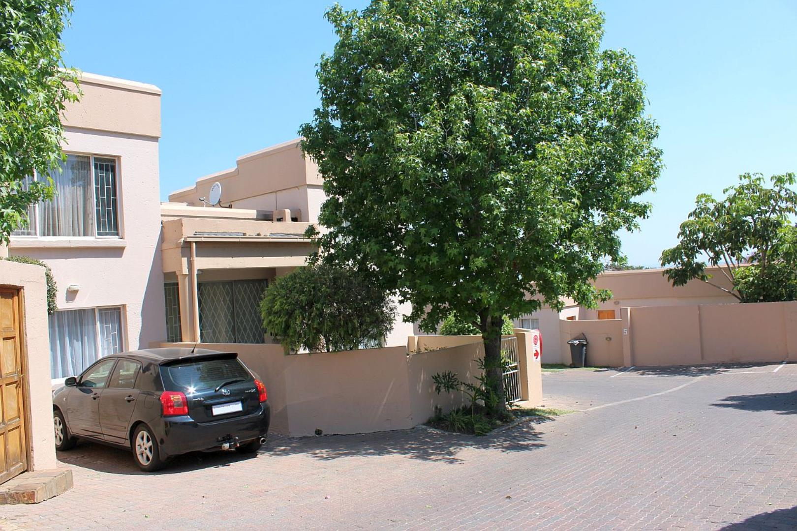 2 Bedroom  Duplex for Sale in Midrand - Gauteng