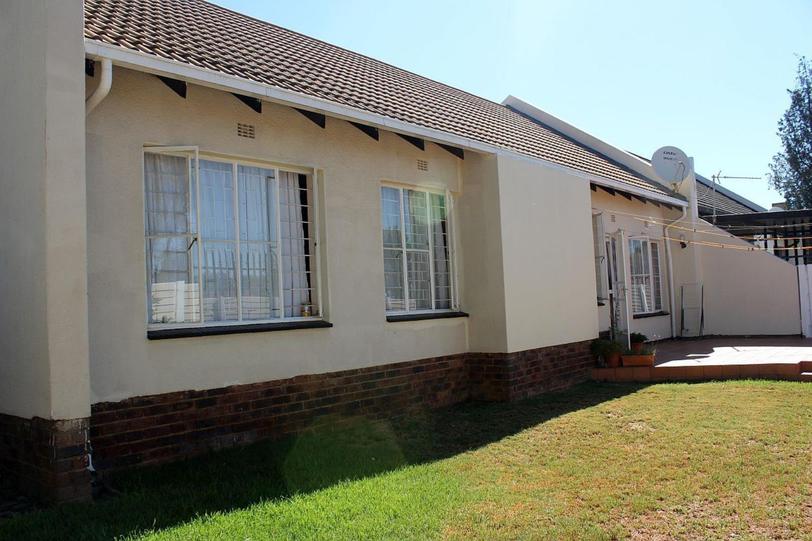 2 Bedroom  House for Sale in Midrand - Gauteng
