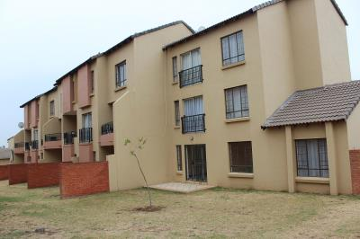 3 Bedroom Apartment for Sale in Sagewood, Midrand - Gauteng